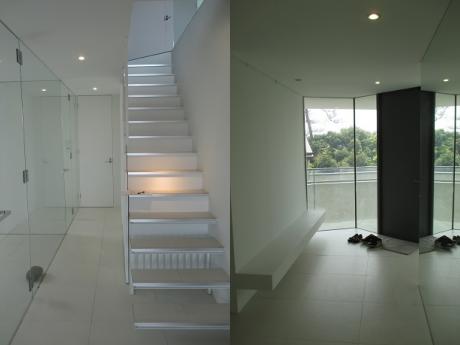 階段|誰が来たか一目瞭然な玄関エントランス