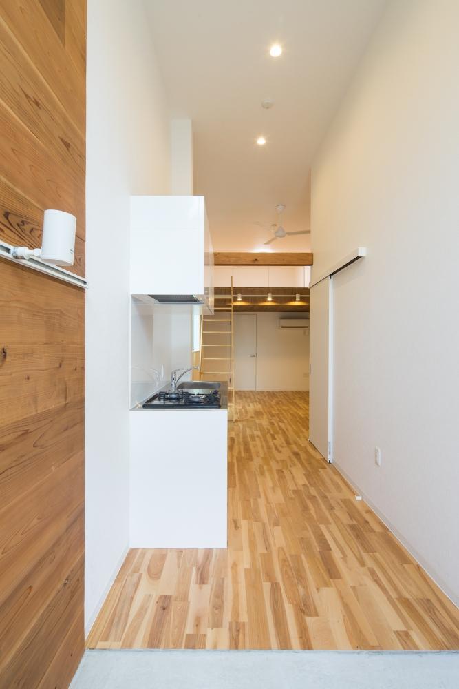 キッチンはコンパクトサイズ