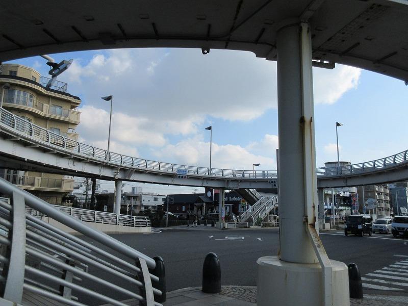 西浜の交差点。いつ見てもダイナミック
