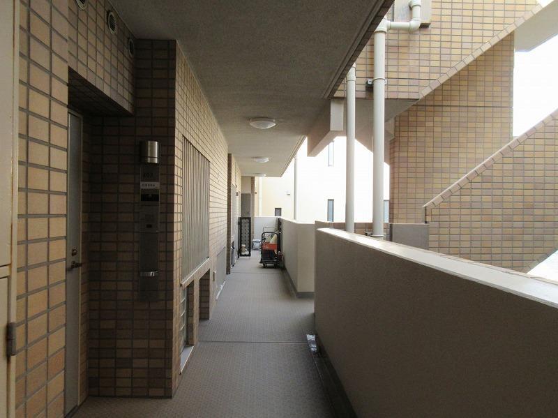 共用部の廊下