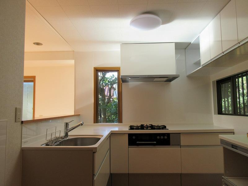 キッチンは新しめの設備
