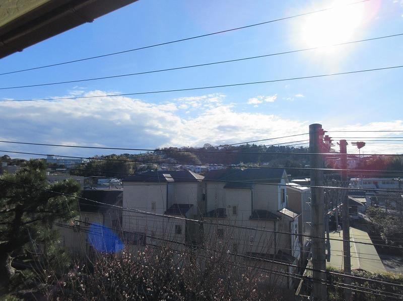 2階からの眺望。目の前が線路のため抜けている