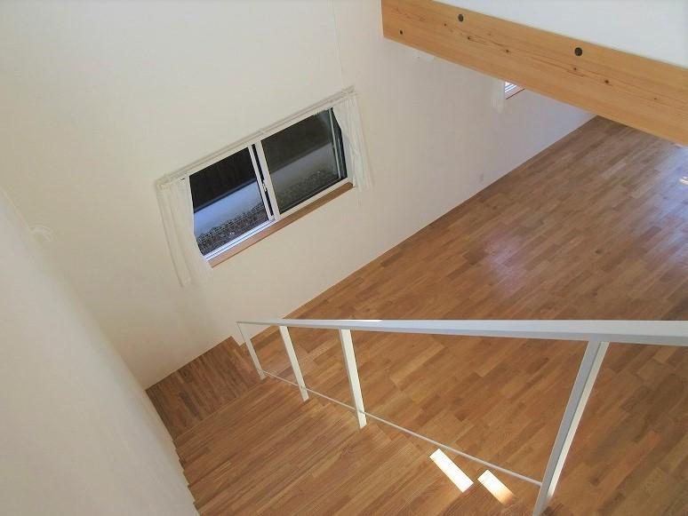 吹抜を2階から見る