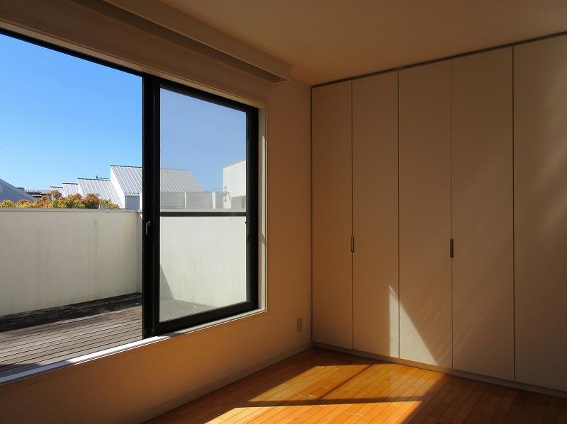 2階、バルコニーがある部屋
