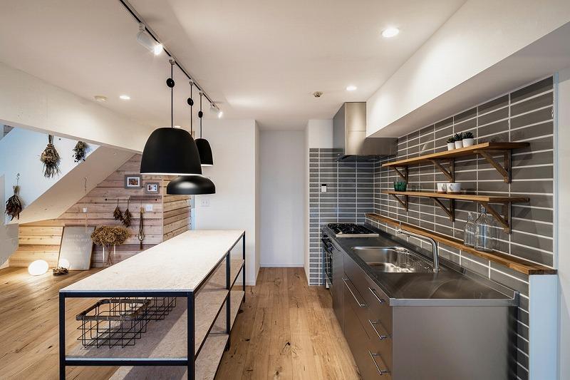 キッチンまわり(オーブンや食洗器もついています)
