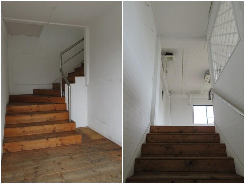 1階部分の階段 2階へ