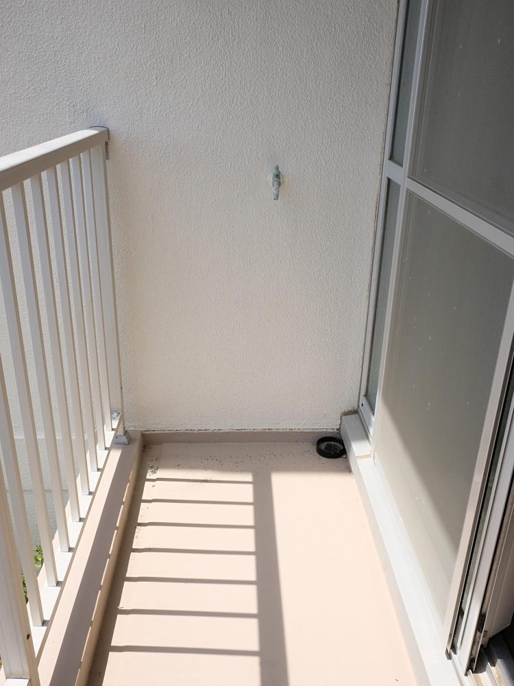 現状、洗濯機置場はバルコニーですがリフォームで室内に設けても。