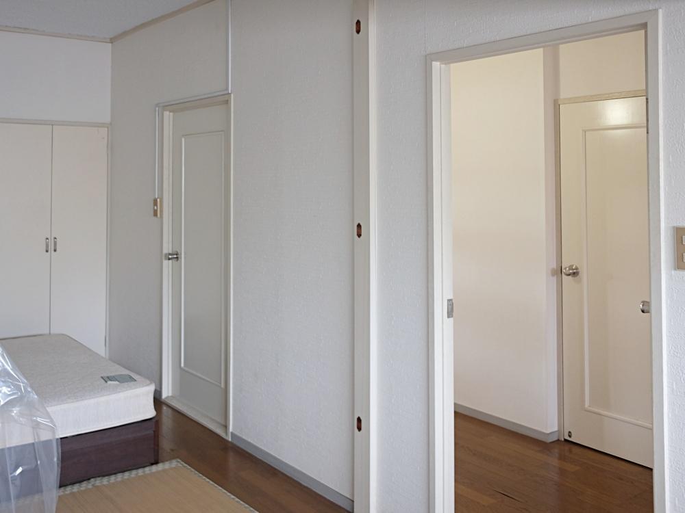 洋室も元2室だったところを1室にしています。