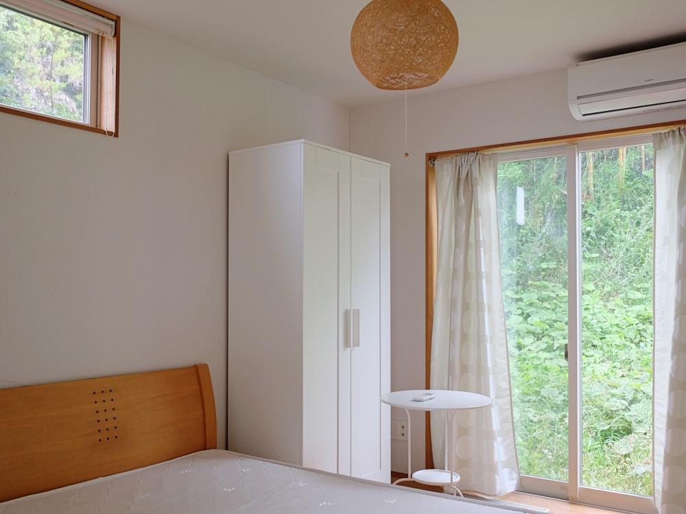 1階|個室の仕様は全て同じ。一人になれる場所としても快適そう。