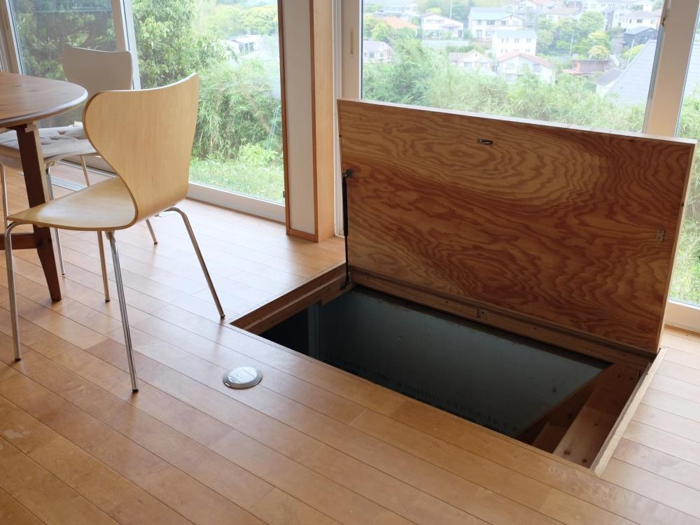 1階|床下空間に大きな収納があります。