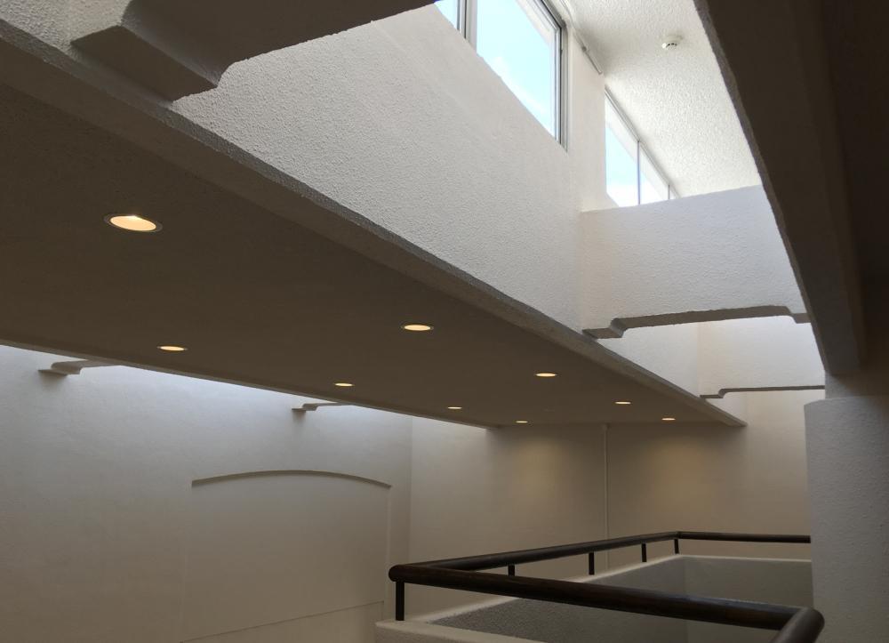 マンション共有部の天井