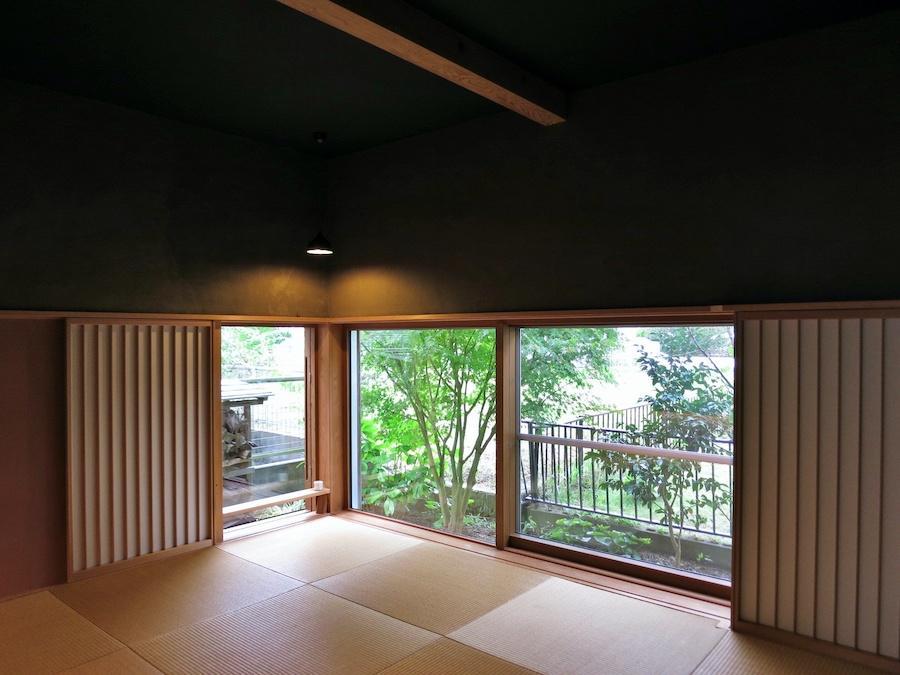 1階和室は敢えて低い視線を楽しむ空間演出