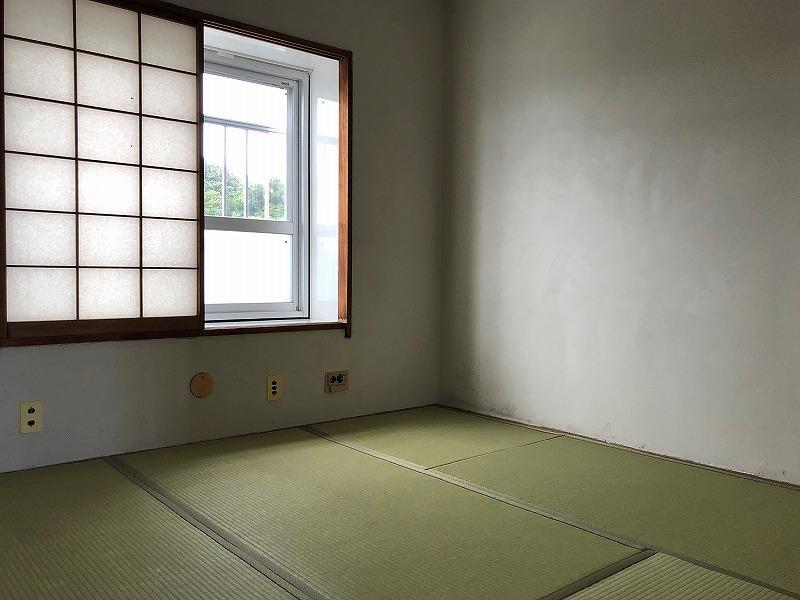 北側の和室。紙でできているので、色あせが抑えられるそう。
