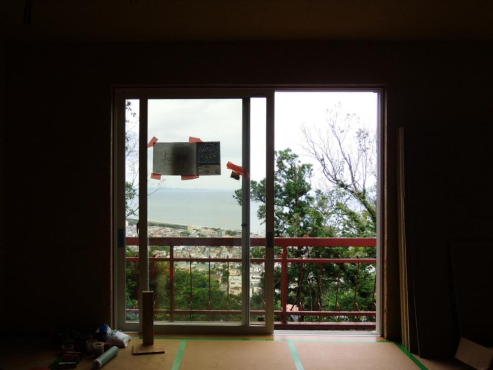 2階居室内からもバッチリ海見え