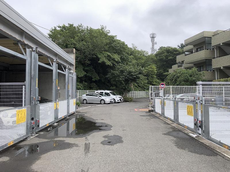 駐輪場は機械式と屋外があります。