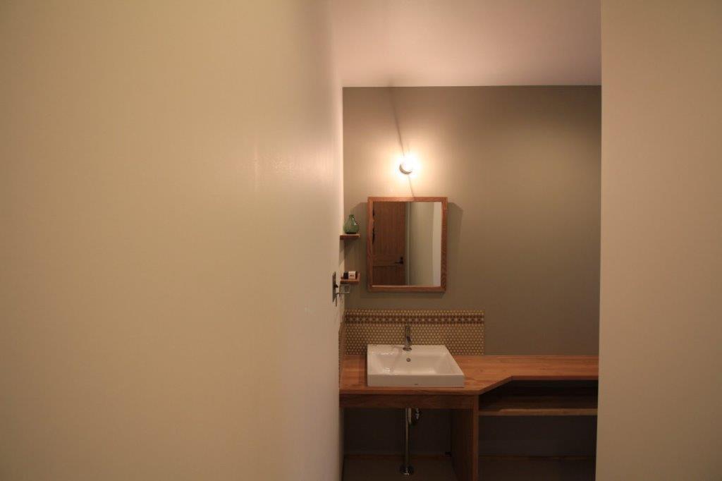 L字の洗面スペース。個人的に好きな空間、居心地よいです