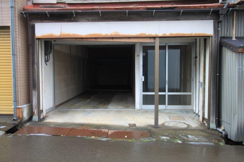 1階は車庫として使われていました。