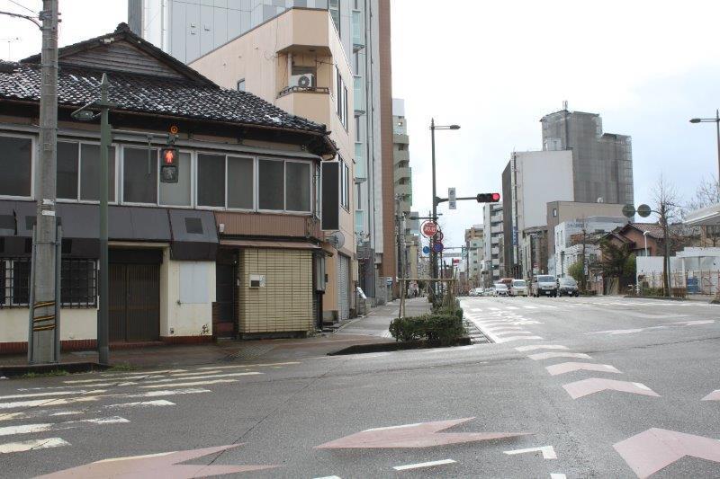 武蔵が辻へ続く交差点。