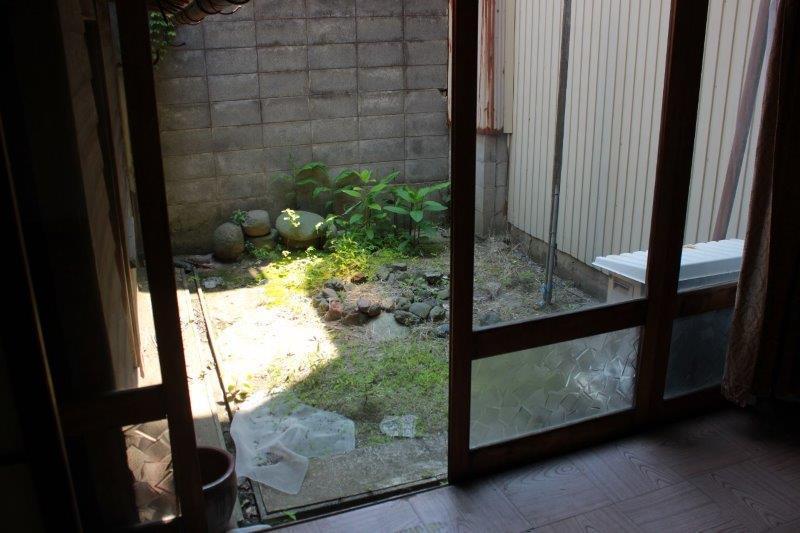 庭。広すぎず狭すぎず、ちょうどよい大きさです。