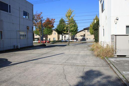 駐車場から山側環状線に向けて。