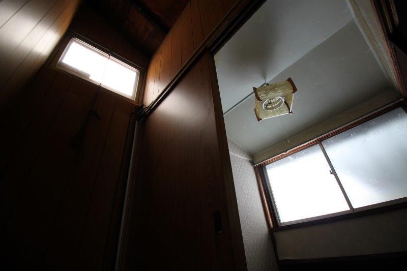 B棟:階段の天窓もあります。