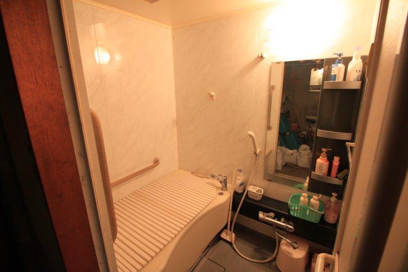 浴室はリフォーム済み。