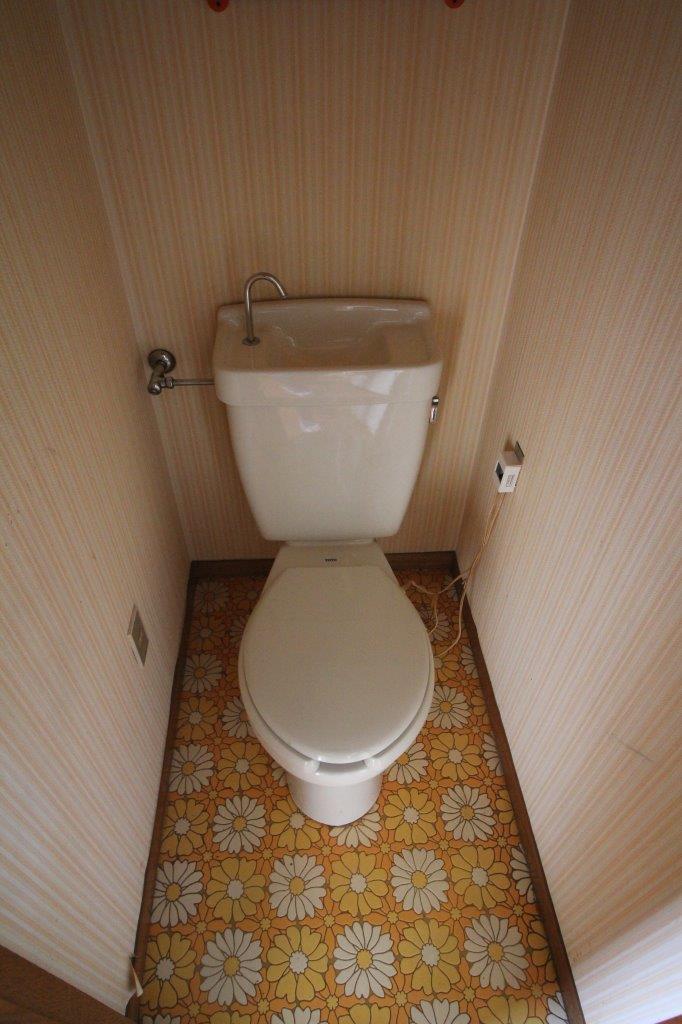 2階トイレ。レトロな床