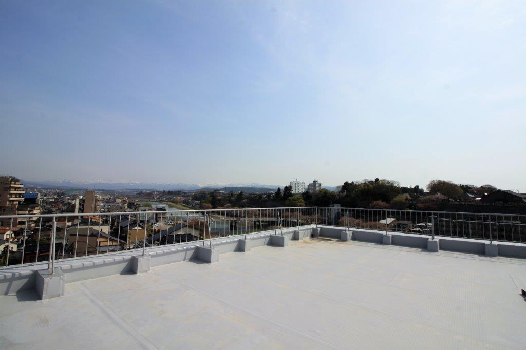住民専用の屋上は、360度のパノラマビューが楽しめます。