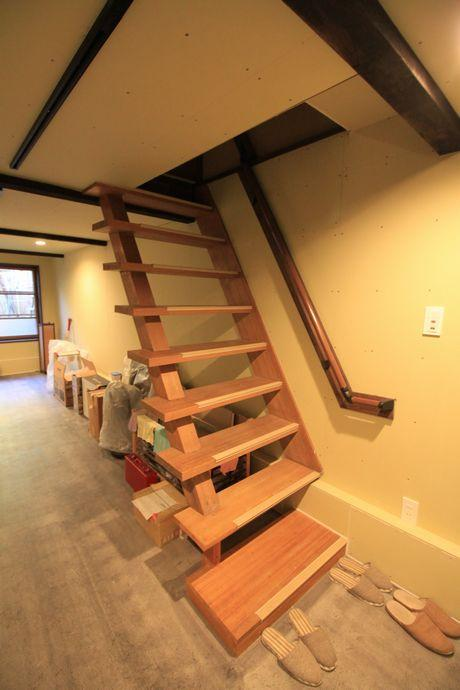 地下に下りてくるときの階段。