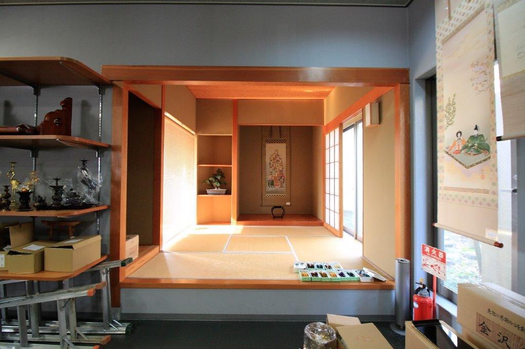 店内に小上がりの和室もあります。