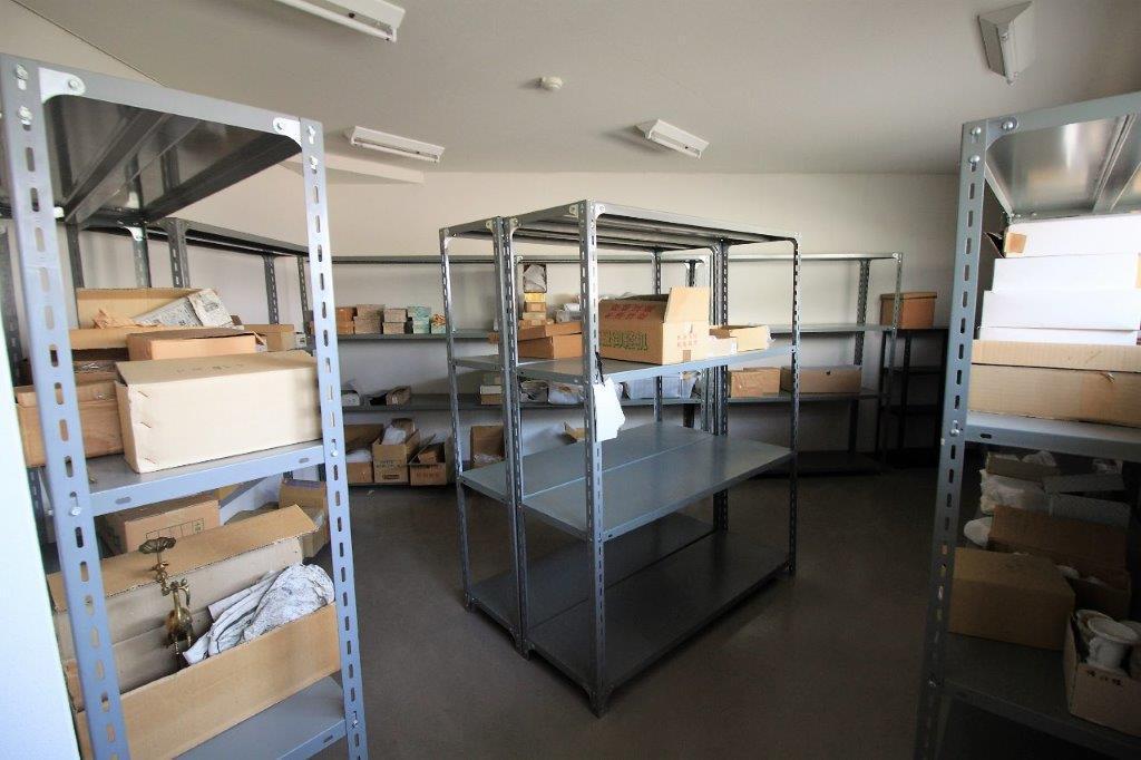 上ったところの広々とした倉庫。事務所としても利用できそうです。