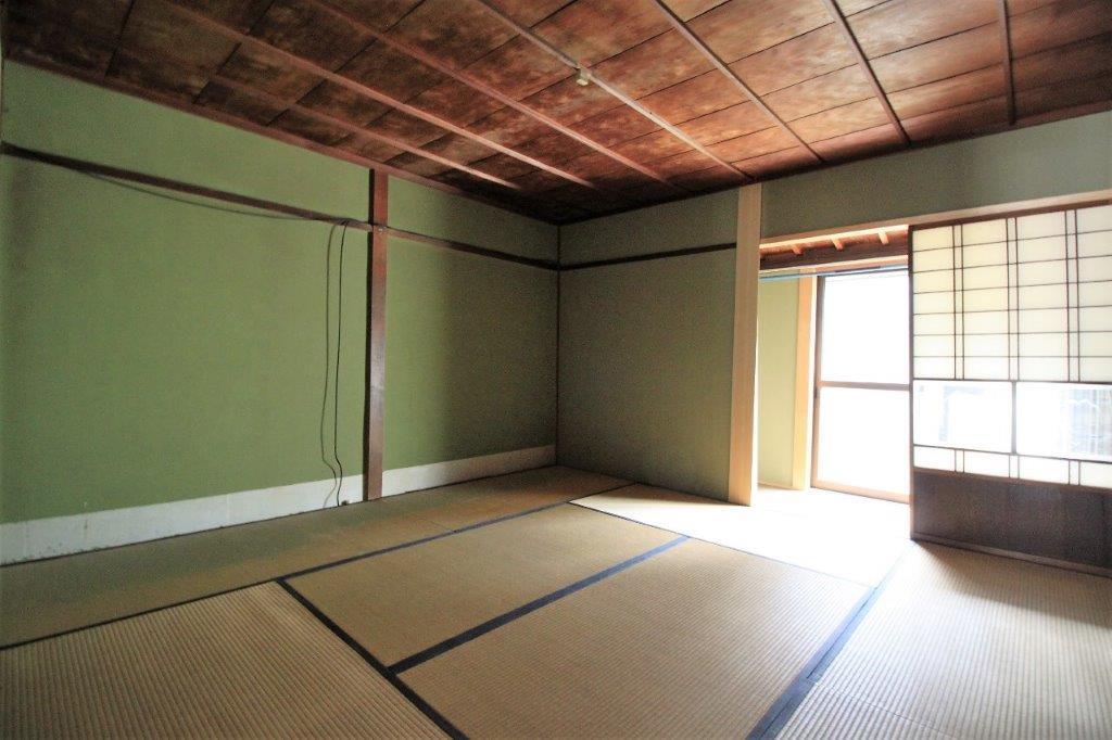 明るい1階和室。