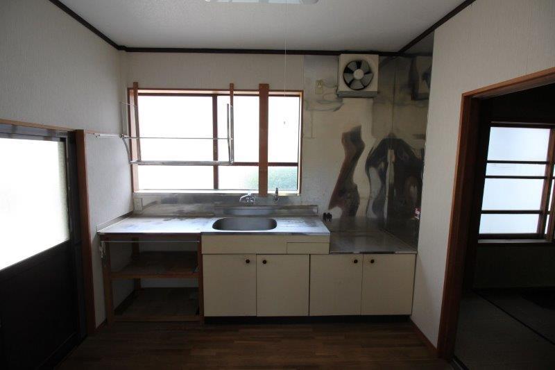 台所。こちらは改修されています。