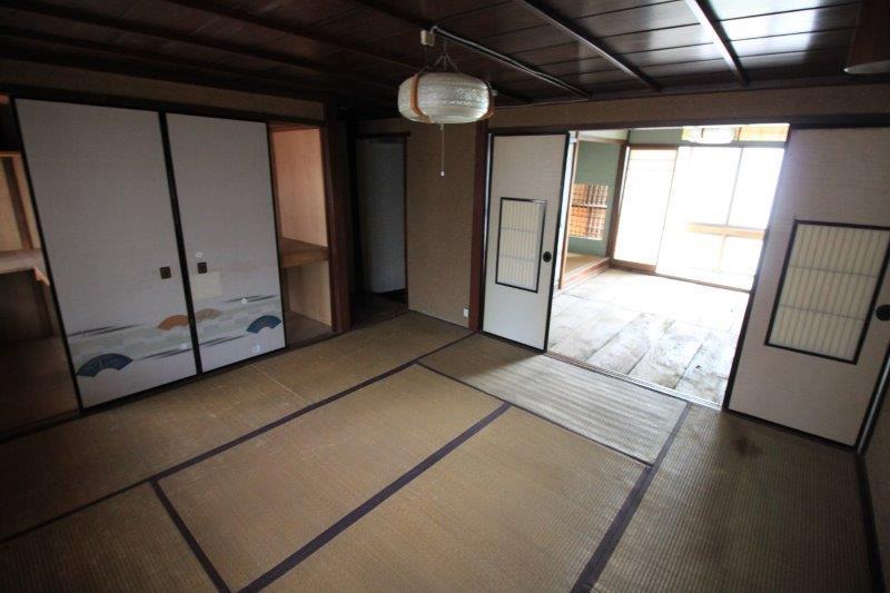 2階8畳の和室。