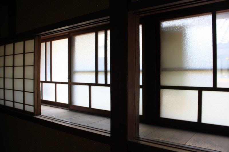 チャームポイントの出窓。中から見るとこんな感じです。