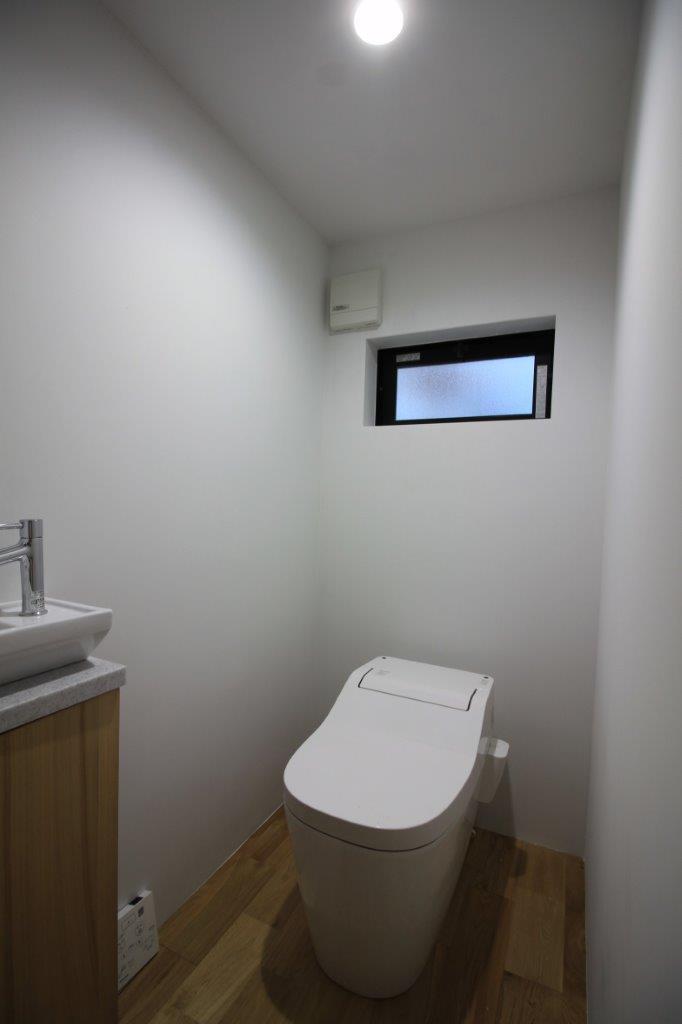 手洗い付きの洋式トイレ