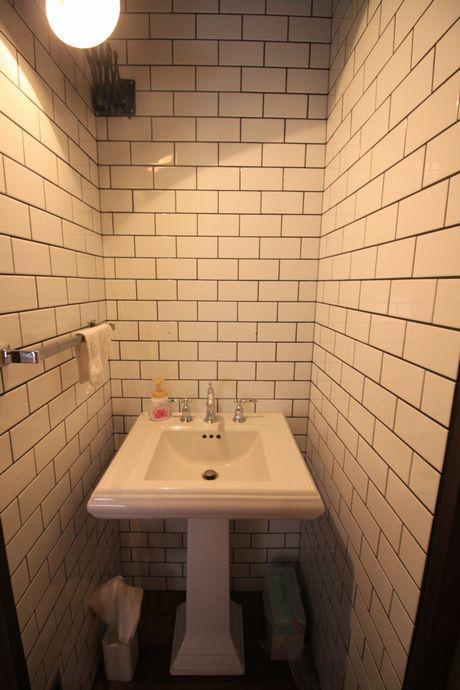 2階のトイレと手洗い場。