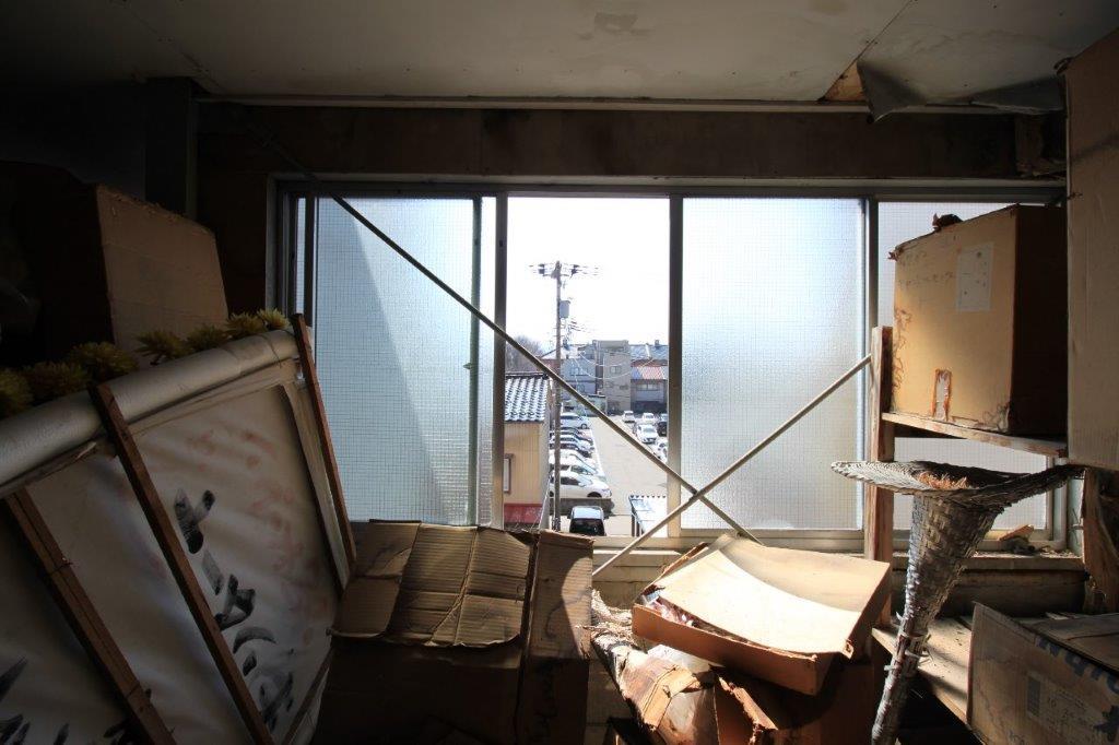 3階南側の窓。