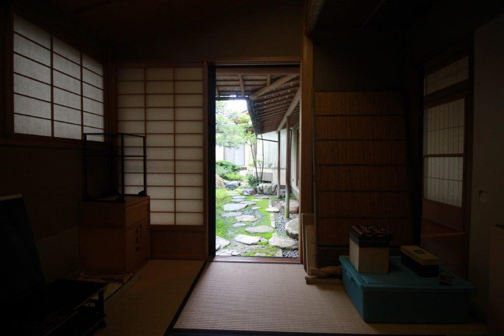 茶室からの庭園ビュー