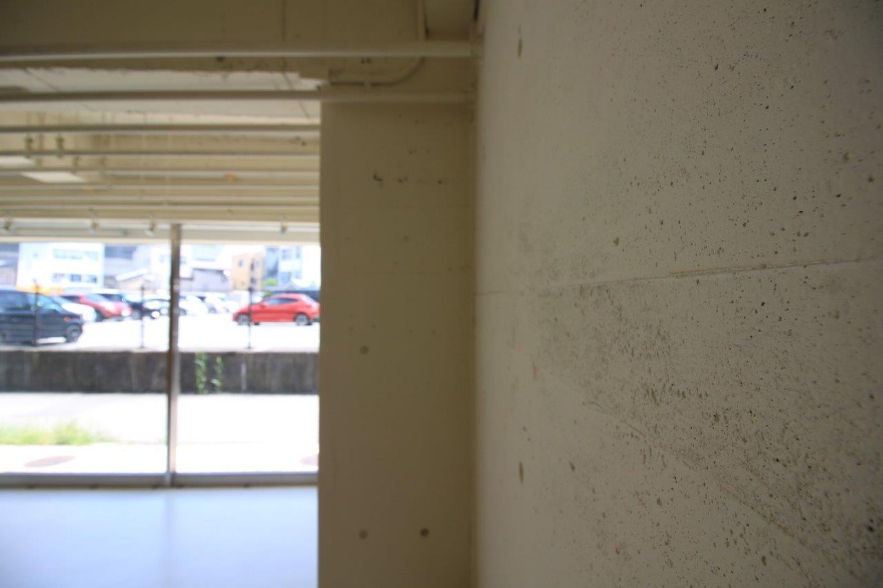 一部コンクリートあらわし。素材も生かした内装
