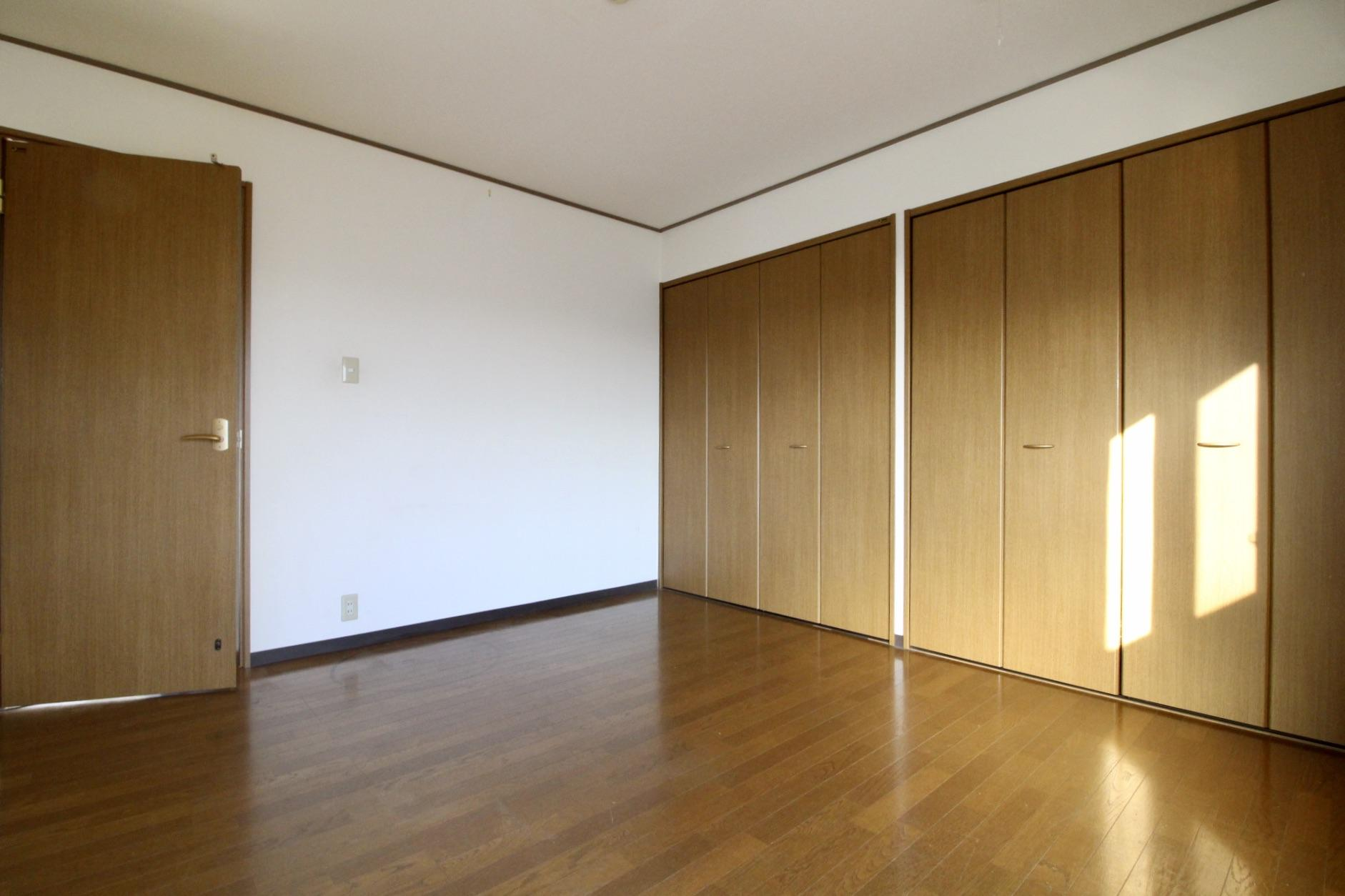 南東側洋室は収納もしっかり確保