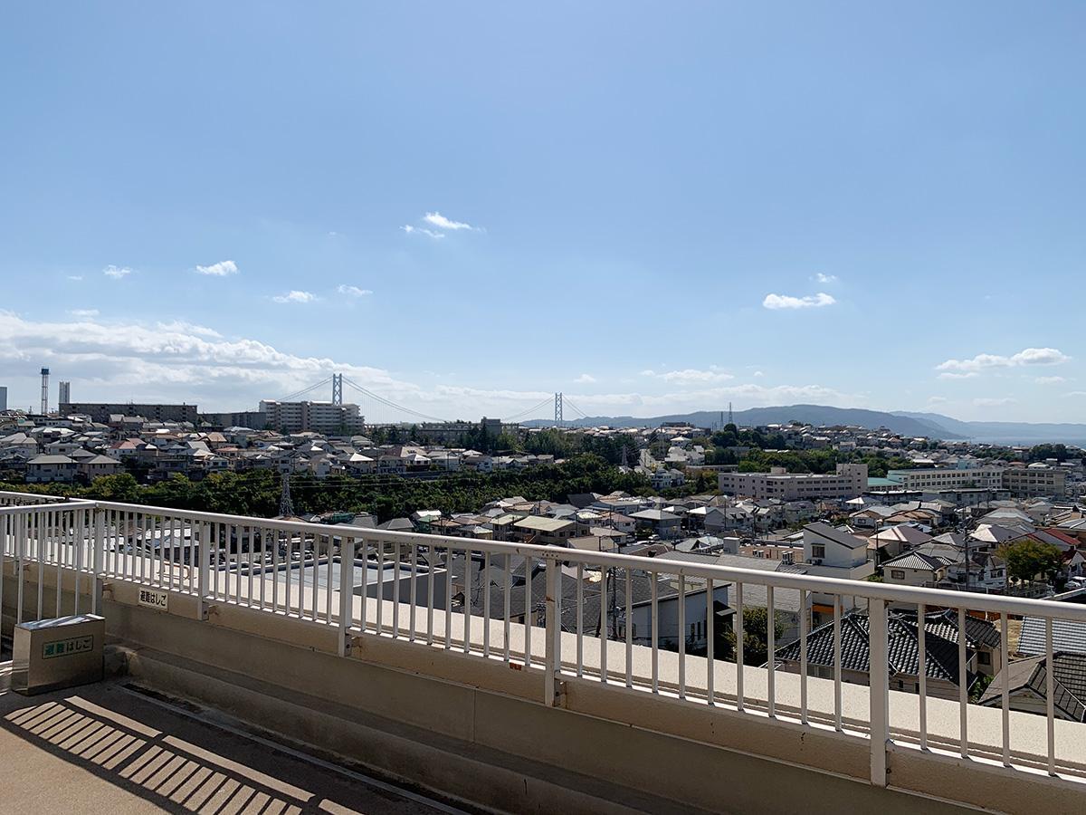バルコニーと橋と島 (明石市朝霧北町の物件) - 神戸R不動産
