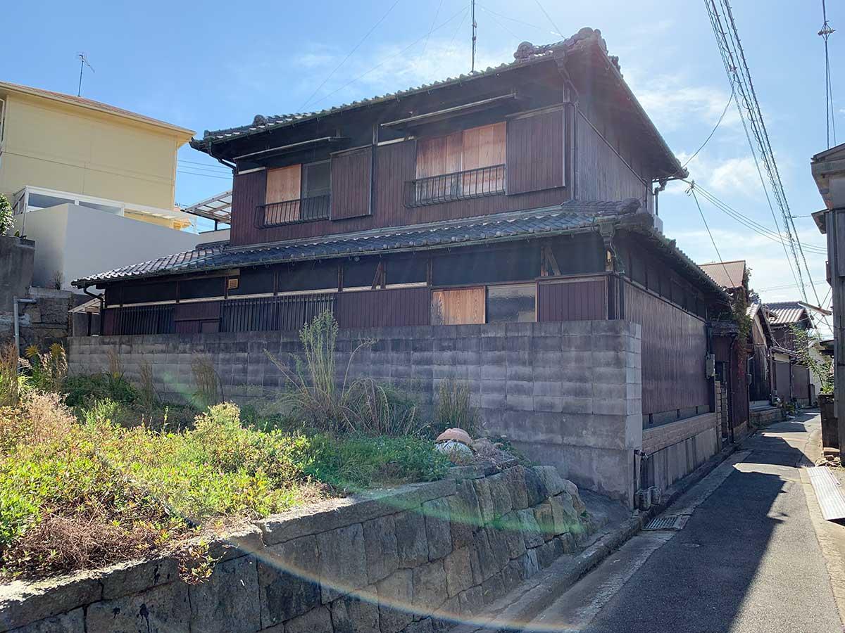 懐かしさを感じる町の路地裏で (リノベ素材) (明石市二見町の物件) - 神戸R不動産