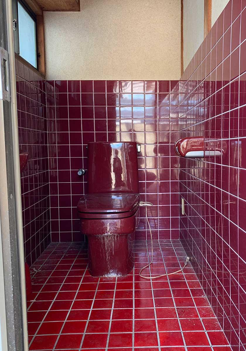 2Fのベランダにあるトイレ