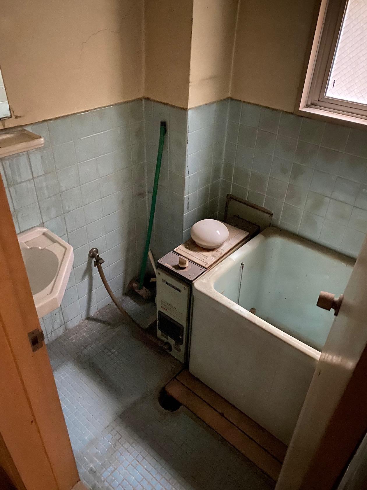 二階 風呂は現状使用不可なので改修が必要