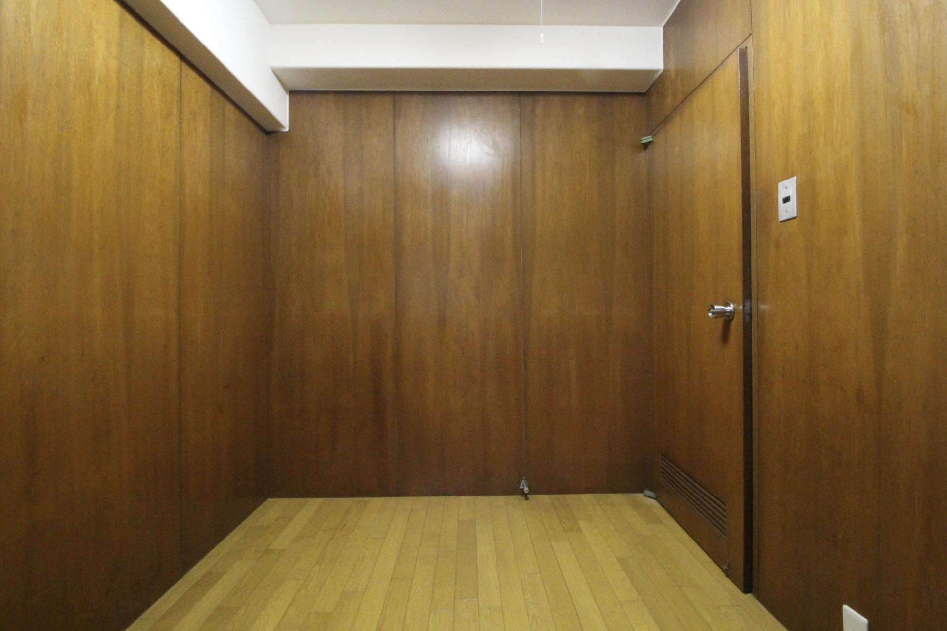 洋室も木張り