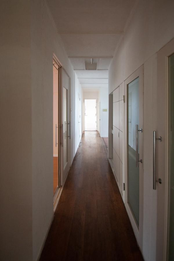 ゆったりとした平屋なので、廊下が長い
