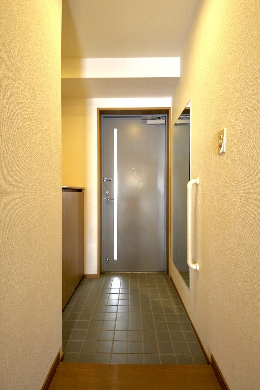 玄関 ブルーアッシュの扉が好み