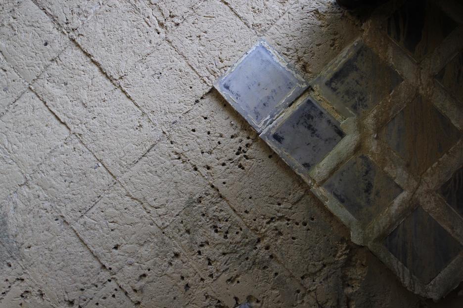 風情を感じるこの土壁は「なまこ壁」というらしい