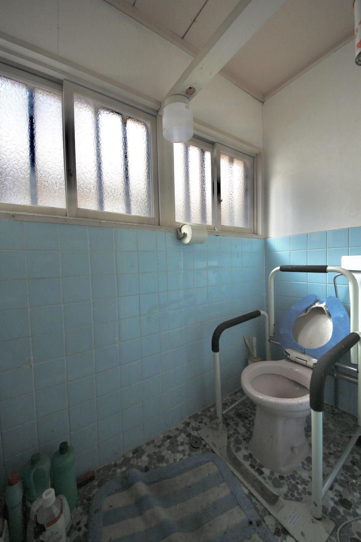 トイレは余裕がある広さ